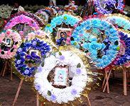 Coronas de muertos for sale prior to Dia de los Muertos